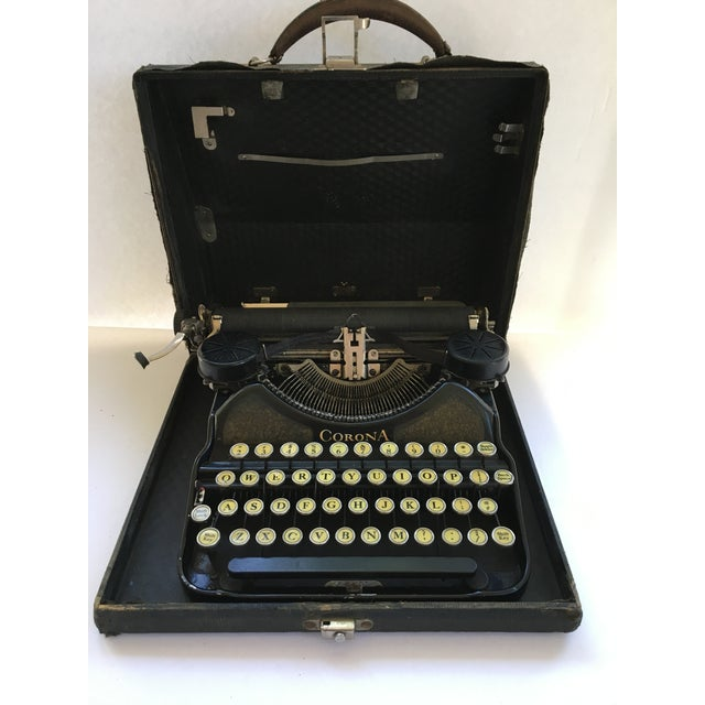 Corona 4 Portable Typewriter With Case - Image 2 of 7