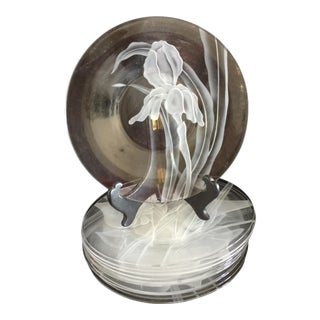 Dorothy Thorpe Etched Clear Crystal Plates - Set of 12