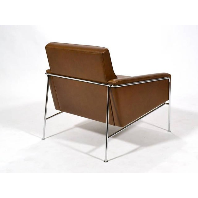 Pair of Arne Jacobsen Series 3300 Lounge Chairs - Image 11 of 11