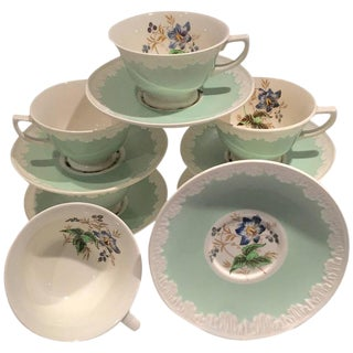 "Wedgwood England ""Hampton Court"" Mint Tea Cups & Saucers - Set of 6"