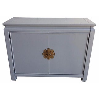 Chinoiserie Gray Lacquered Cabinet
