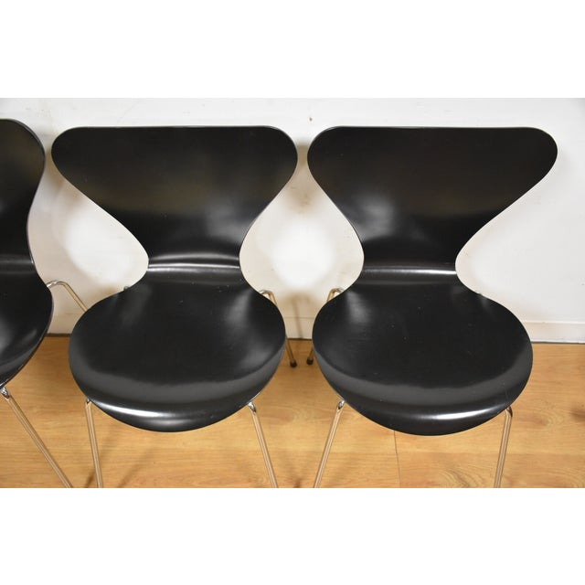 Arne Jacobsen Fritz Hansen Chairs - Set of 4 - Image 3 of 11