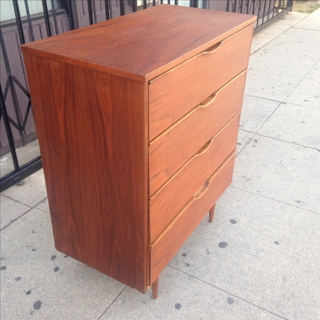 Walnut Mid Century Dresser with Sculpted Pulls - Image 4 of 9
