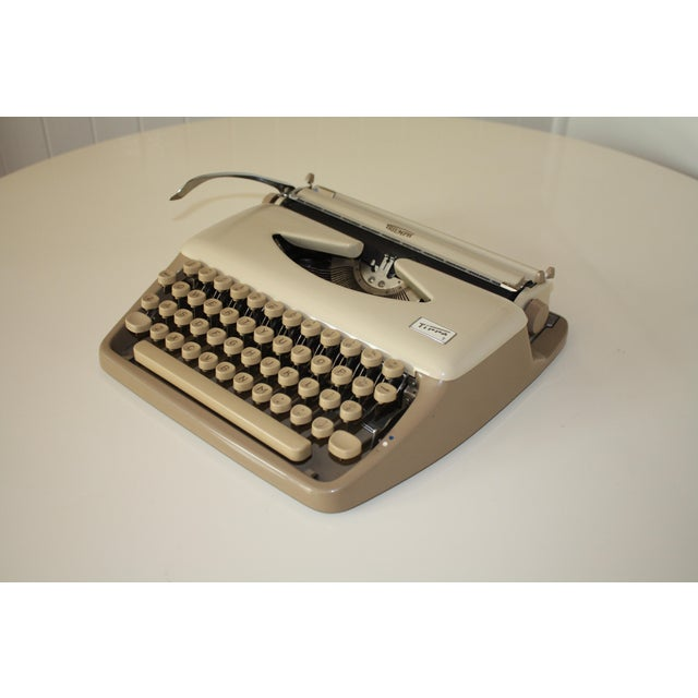 Vintage 1965 Triumph Tippa Beige Typewriter - Image 2 of 9