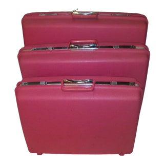 1970s Hot Pink Samsonite Luggage w/Key - Set of 3
