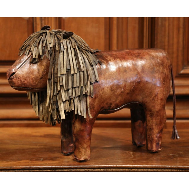 19th century English Foot Stool Lion Sculpture with Original Brown Leather - Image 5 of 8