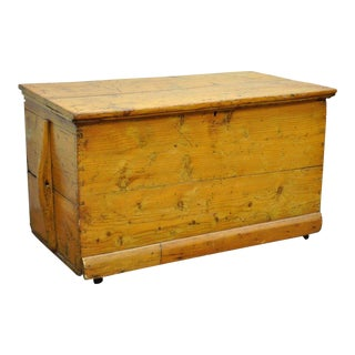 Antique Solid Pine Hand Dovetailed American Primitive Rustic Blanket Chest Trunk
