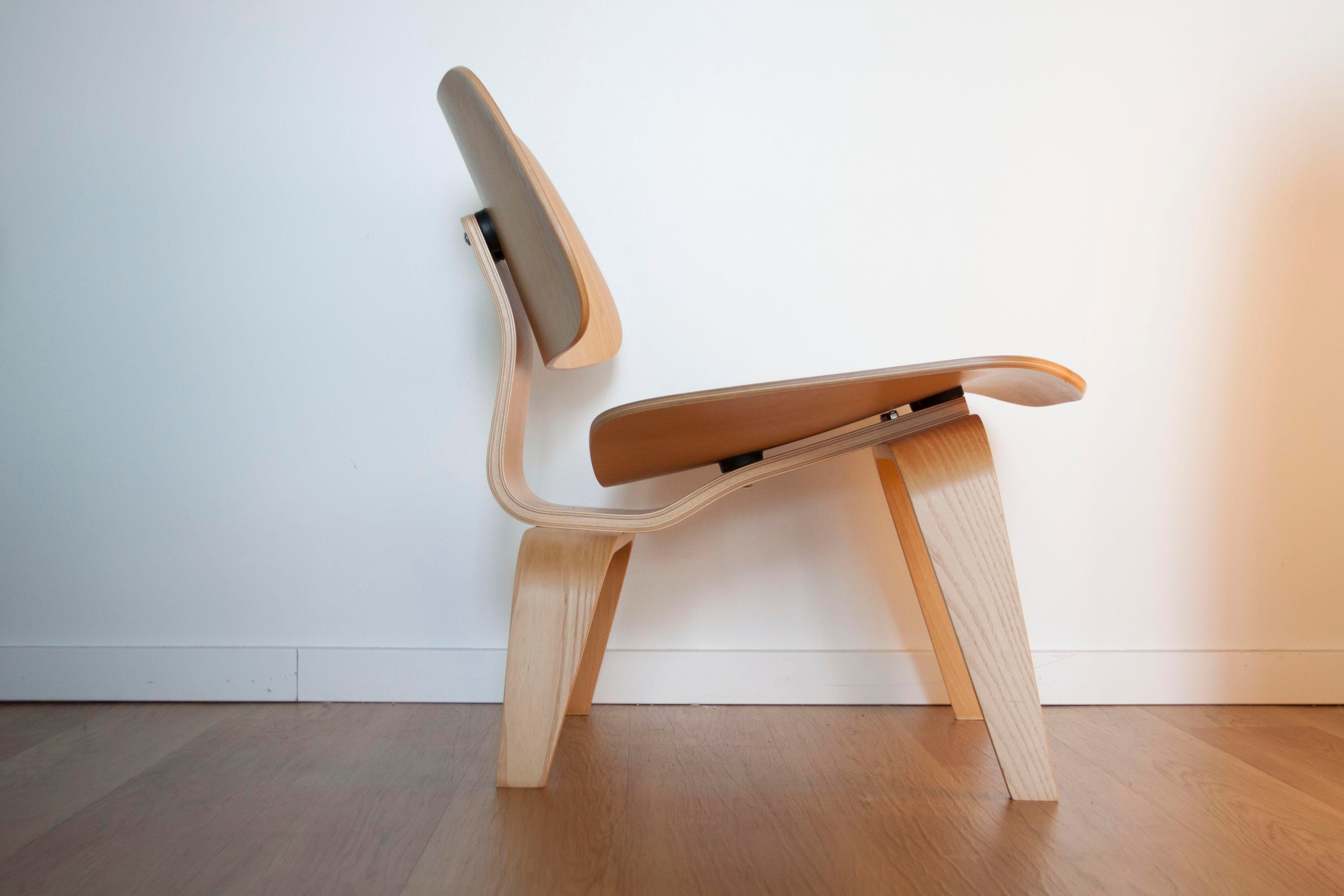 Eames Herman Miller LCW Chair   Image 5 Of 10
