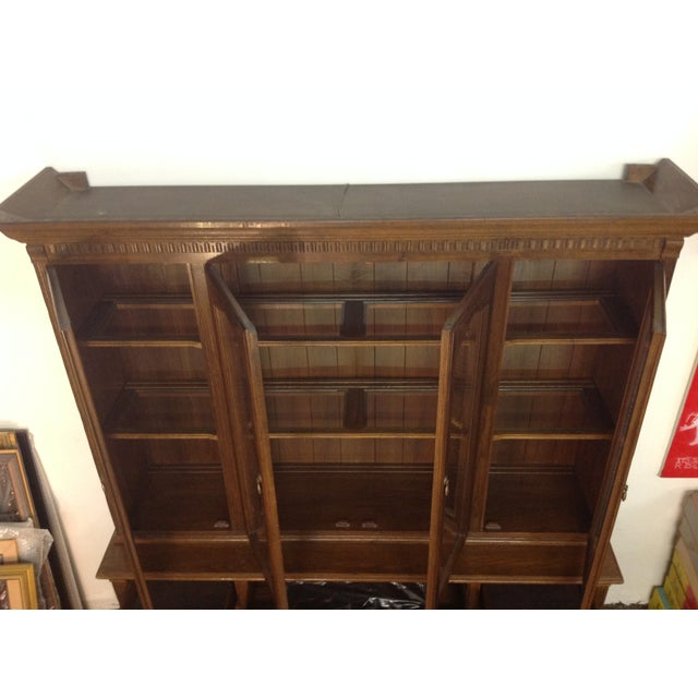 Ethan Allen Breakfront China Cabinet - Image 11 of 11