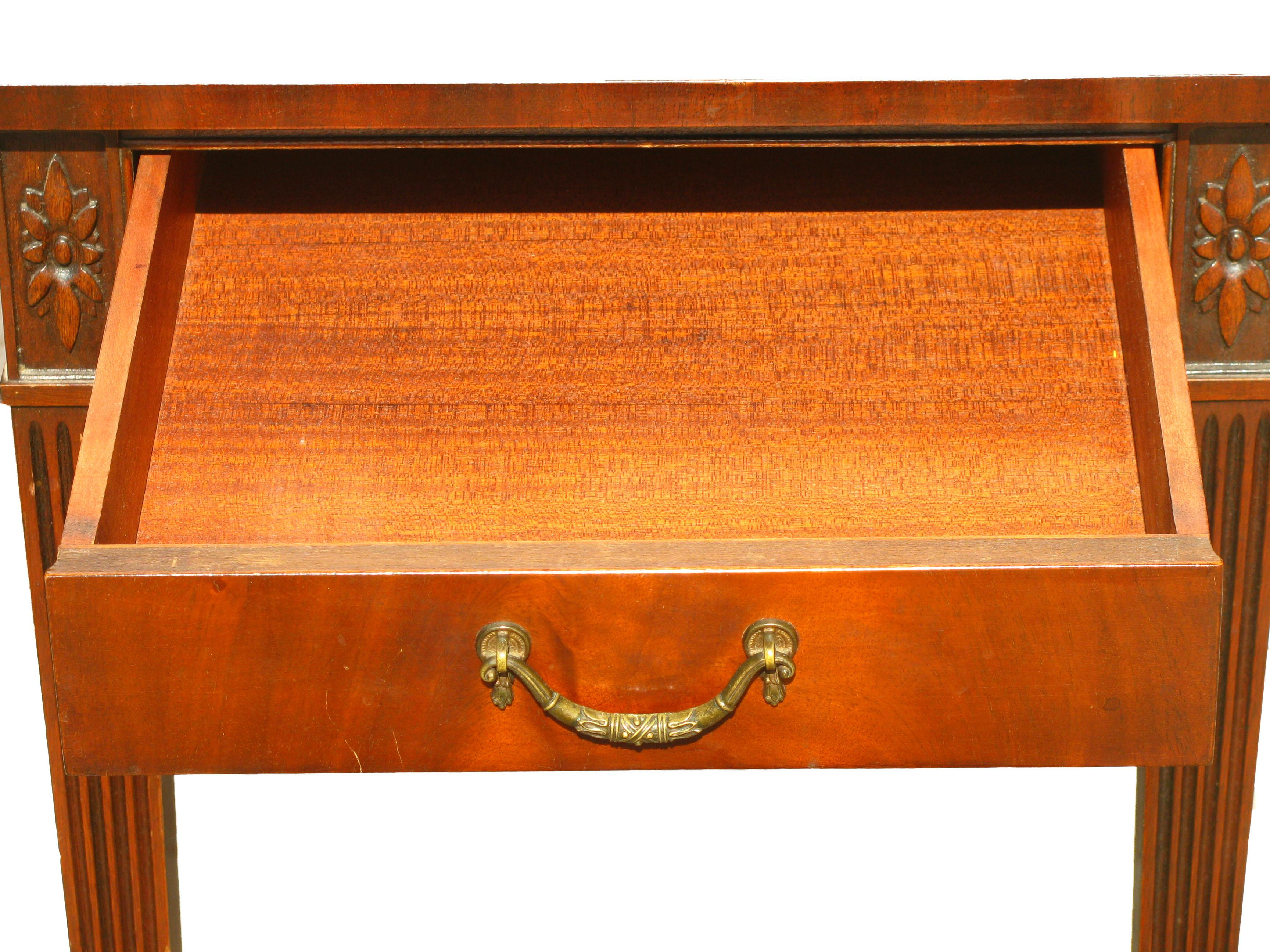 1920s Imperial Furniture Pembroke Mahogany Drop Leaf Table   Image 5 Of 9