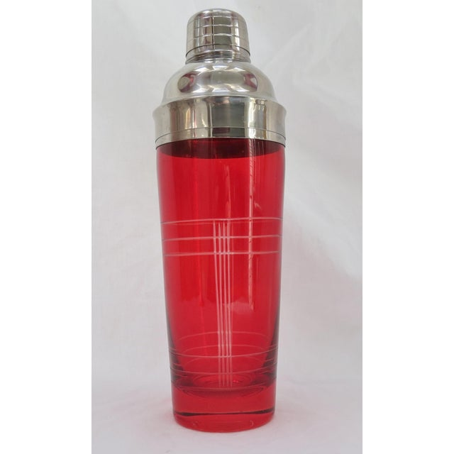 Christmas Red Glass Cocktail Shaker - Image 3 of 5