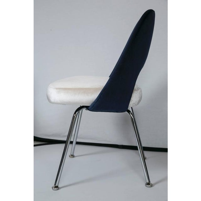 Saarinen Executive Armless Chairs in Ivory/Navy Velvet, Set of Six - Image 5 of 10