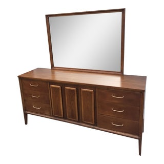 Mid-Century Broyhill Forward 70 Dresser With Mirror