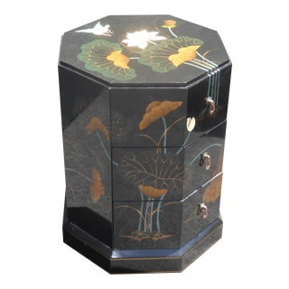 Vintage Black Lacquered Oriental Asian Floral Design End Table / Nightstand