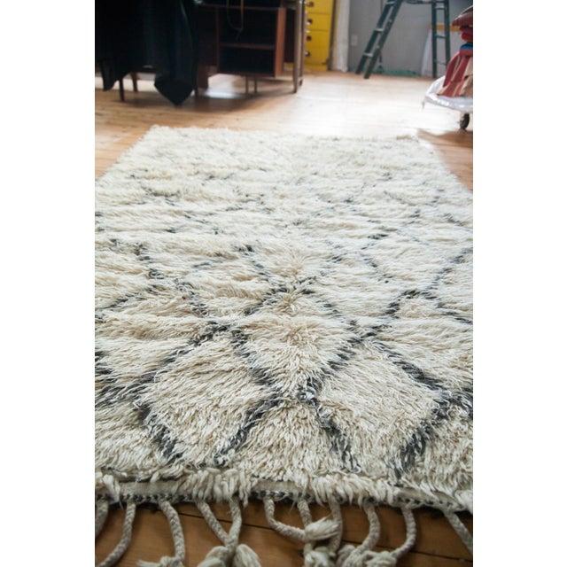 "Vintage Beni Ourain Moroccan Carpet - 5' X 7'8"" - Image 3 of 4"