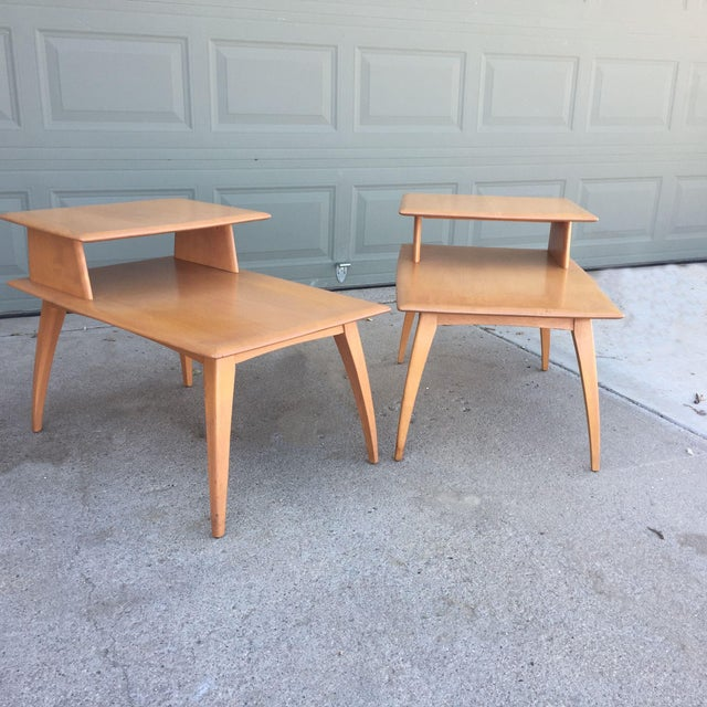 Pair of Heywood-Wakefield Champagne Blonde Saber Leg Side Tables - Image 6 of 11