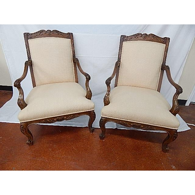 A Pair of Baker Furniture French Style Carved Arm Chairs - Image 2 of 7