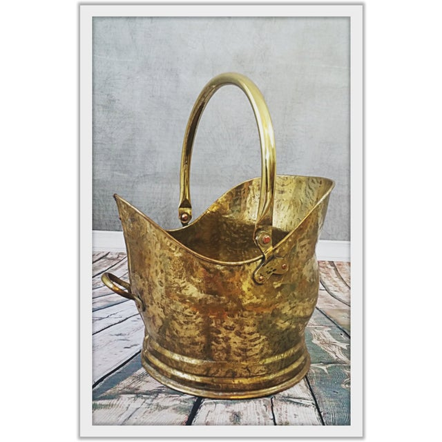 Vintage English Hammered Brass Fireplace Bucket - Image 5 of 11