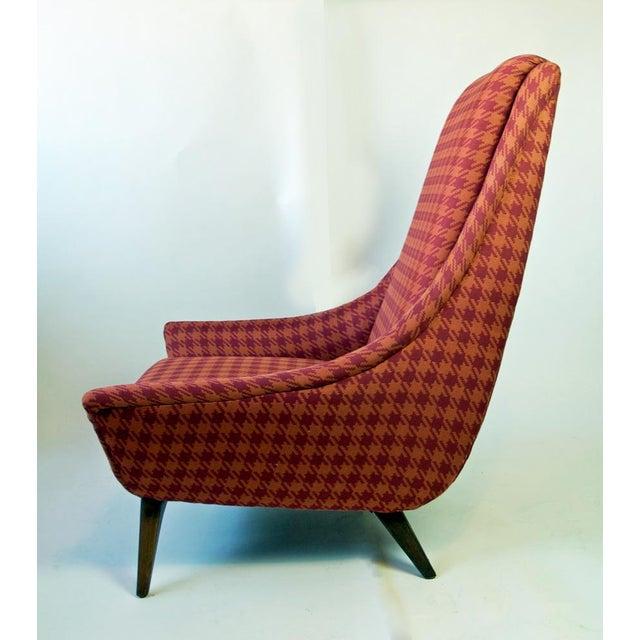 Image of Mid-Century Houndstooth Sloop Chair