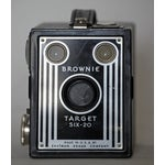 Image of Vintage Brownie Target 6-20 Camera