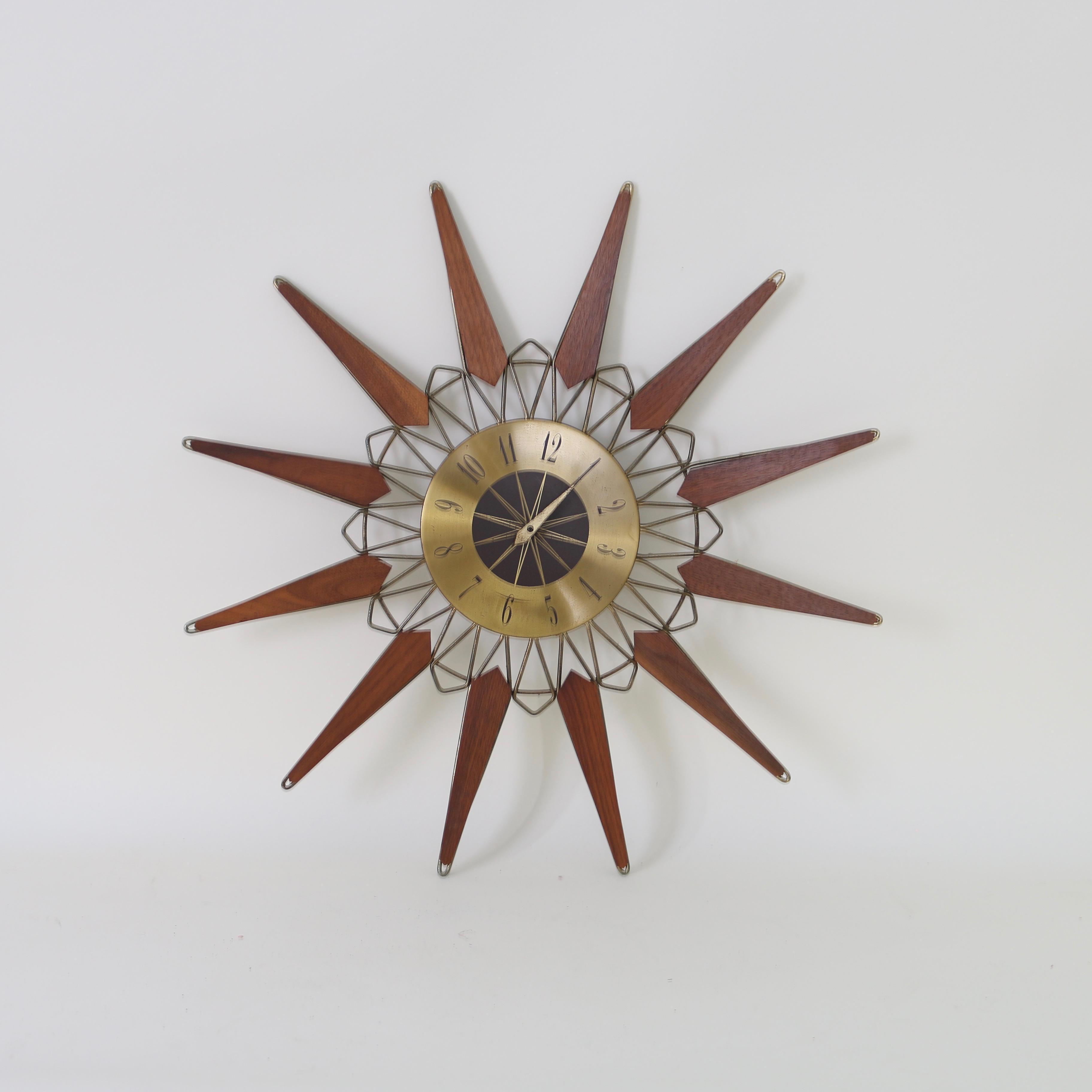 ✓ Mid Century Starburst Clock