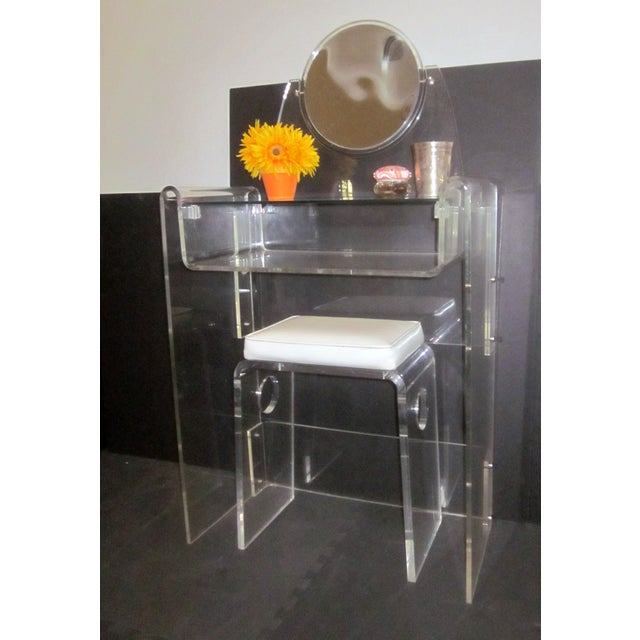 lucite vanity stool mirror hollywood regency chairish. Black Bedroom Furniture Sets. Home Design Ideas