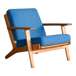 Hans Wegner Low Back Lounge Chair Model GE-290 in Oak and Wool for GETAMA