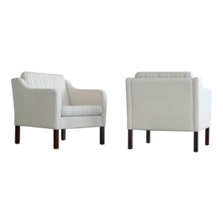 Borge Mogensen Style Lounge Chairs Model 2421 in White Wool by Mogens Hansen