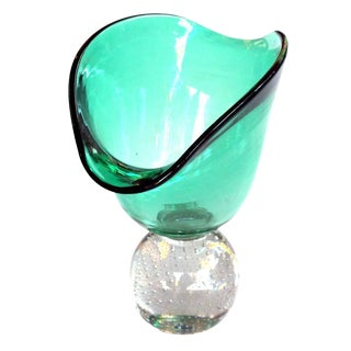 Shapely American Mid-Century Emerald-Green Pedestal Vase; Pairpoint Glassworks