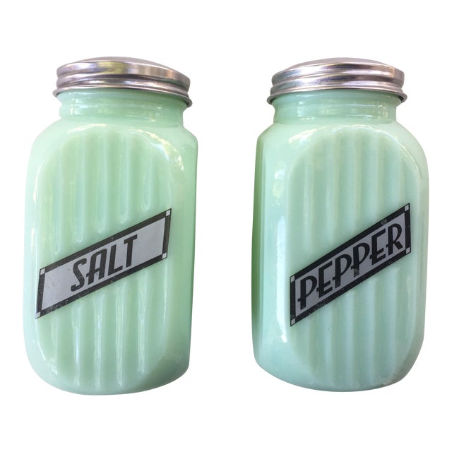 Art Deco Jadeite Salt and Pepper Shaker Set - Image 1 of 10