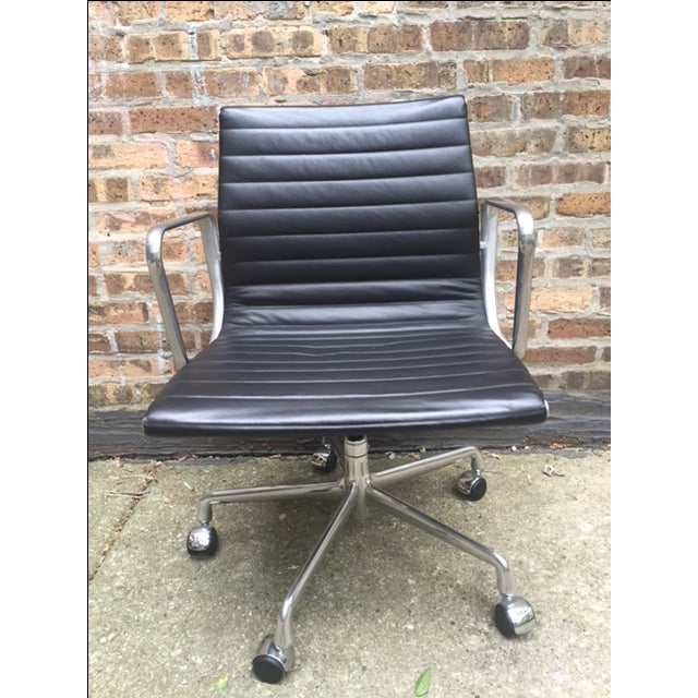 Eames Leather Aluminum Group Management Chair - Image 3 of 7
