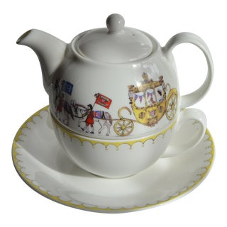 Queen Elizabeth II & Corgi Tea for One