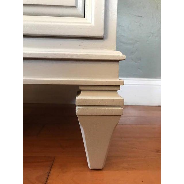 Soft Gray Drexel Mid-Century Dresser Buffet Sideboard - Image 10 of 11