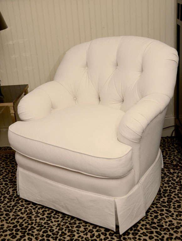Ivory Tufted Swivel Chair   Image 2 Of 9