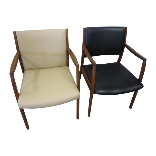 Jens Risom Mid Century Side Arm Chair Pair - Image 1 of 9