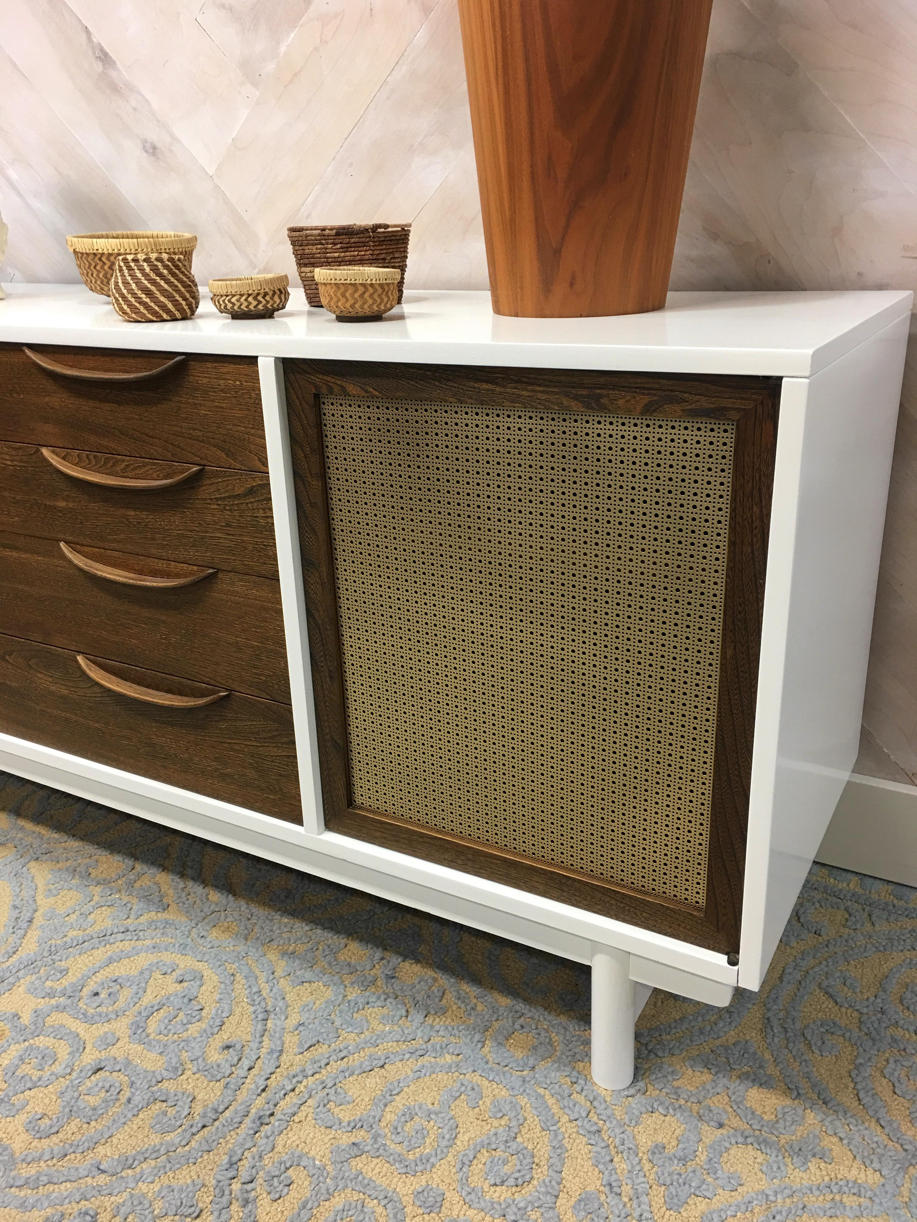 Richardson Brothers Mid Century Buffet Peabody Collection   Image 6 Of 8