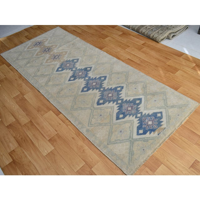 "Hand-Knotted Turkish Rug - 2'8"" x 6'9"" - Image 9 of 9"
