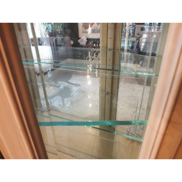 Thomasville Country French China Cabinet - Image 10 of 11