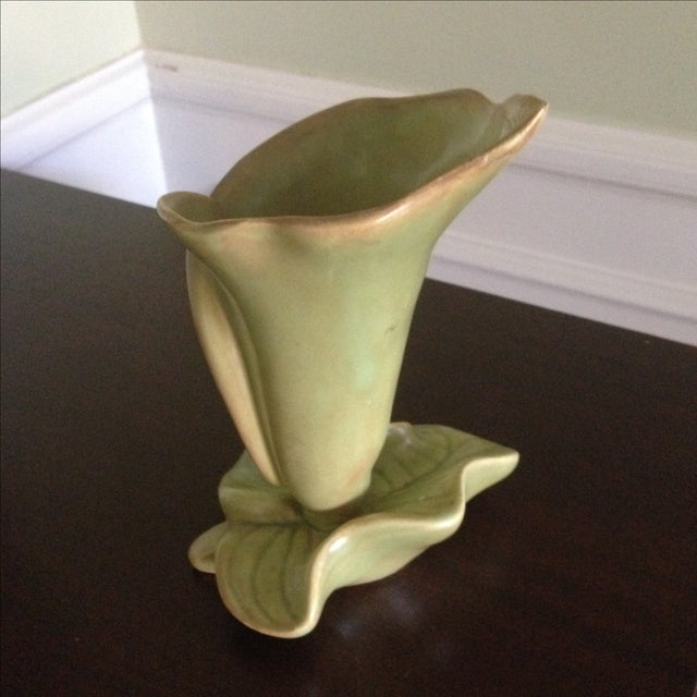 Mid-Century Lily & Leaf Ceramic Vase - Image 10 of 11