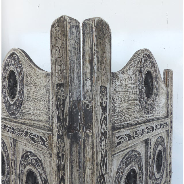 Gray 4-Panel Carved Screen with Iron - Image 8 of 8