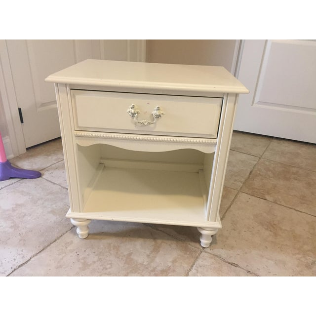 Stanley Furniture Shabby Chic Antique White Children's Side Table - Image 2  ... - Stanley Furniture Shabby Chic Antique White Children's Side Table