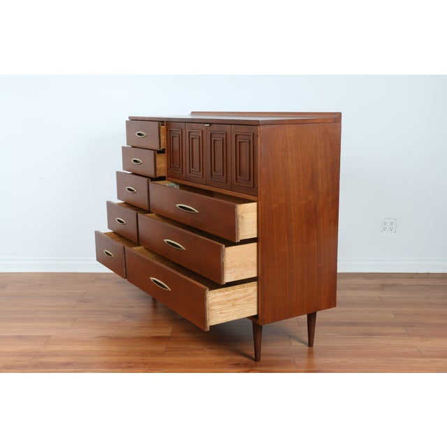 Broyhill's Sculptra Collection Dresser - Image 10 of 10