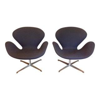 Mid-Century Modern Arne Jacobsen Swan Chairs - Pair
