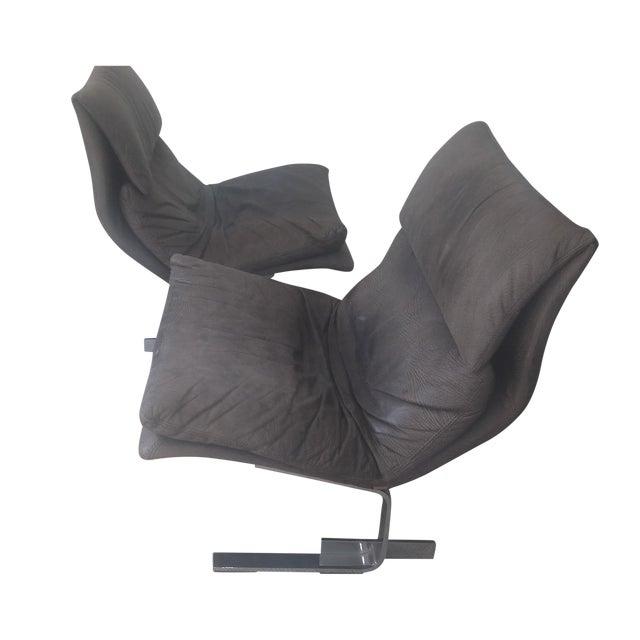 "Saporiti ""Onda (Wave) Lounge Chairs"" - Pair - Image 1 of 8"