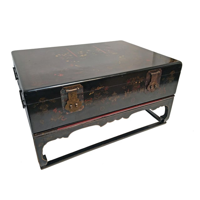 Chinese 19th century lacquered robe trunk coffee table for Asian trunk coffee table