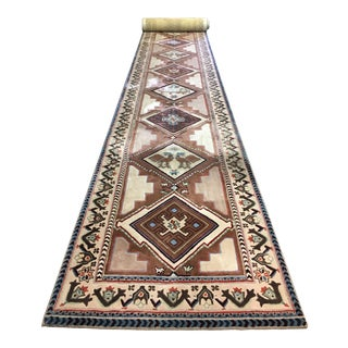 Stark Custom Wool Runner - 4′4″ × 32′7″