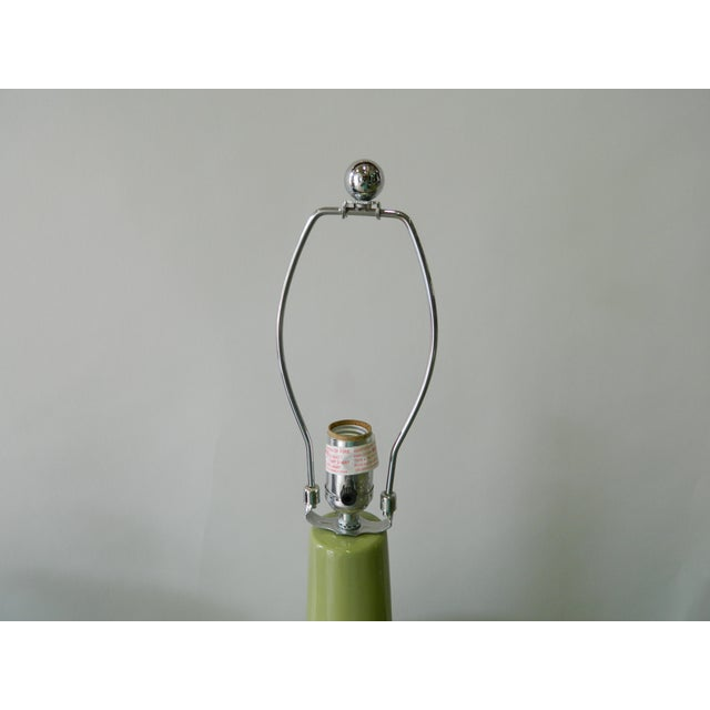Green Porcelain Table Lamp - Image 4 of 5