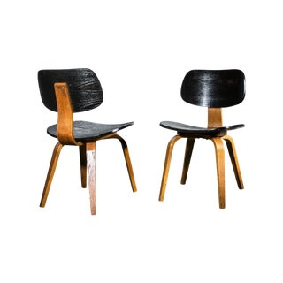 Thonet Mid-Century Modern Bent Wood Chairs - Pair