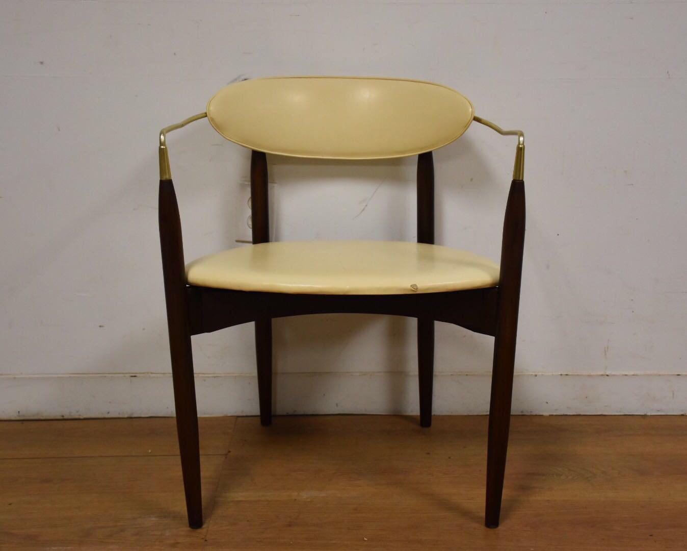 Dan Johnson Beechwood and Off-White Vinyl Viscount Chair - Image 3 of 10