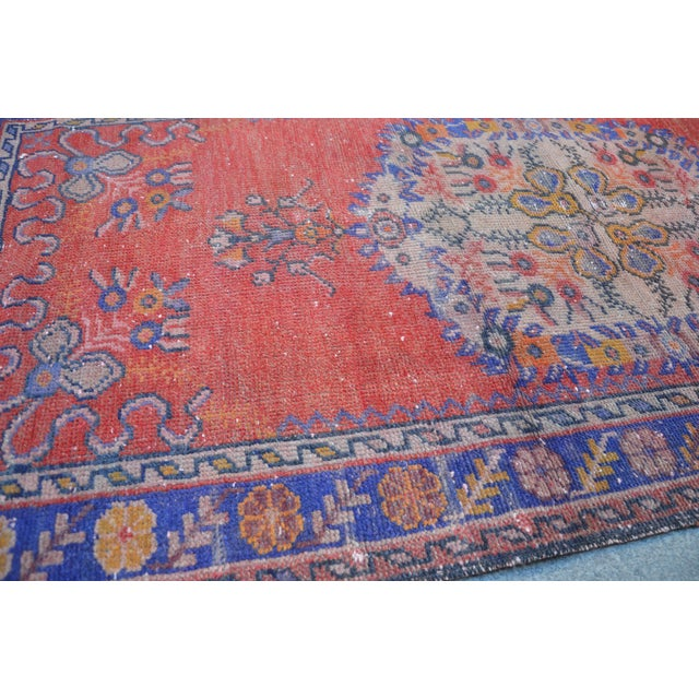 Vintage Turkish Rug - 2′9″ × 5′10″ - Image 5 of 6